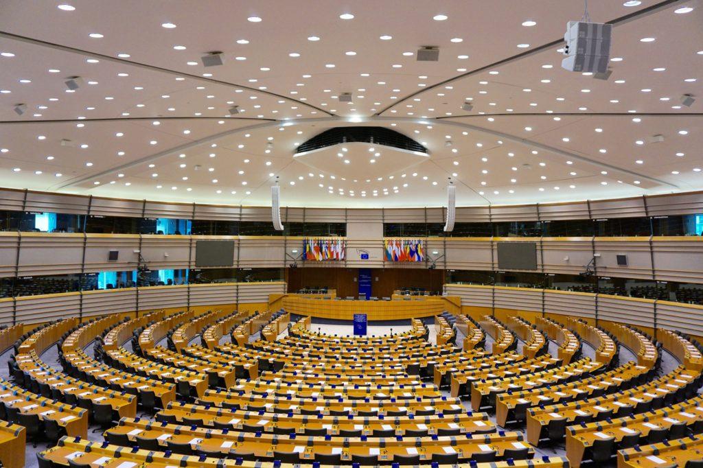 EU 議会選挙 - 大敗を喫したドイツの二大政党