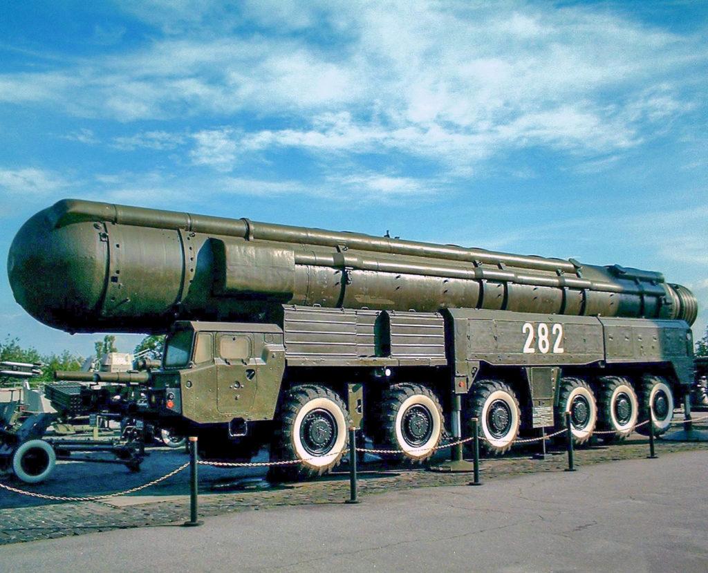 NATO ダブル決議 - ソビエトの核弾頭の脅威