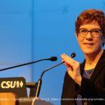テューリンゲン 州知事選挙の波紋 - CDU 党首カレンバオアー辞任す